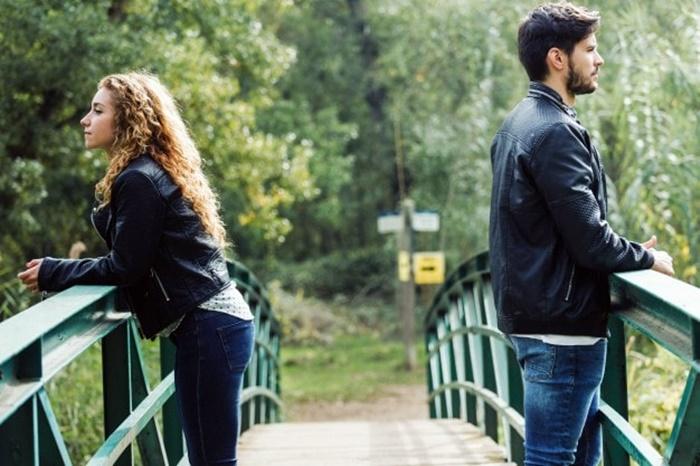 Por Que Ficar Distante do Ex Após o Término?
